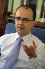 dr. Dagonya András közbeszerzési ügyvéd, hivatalos közbeszerzési tanácsadó.